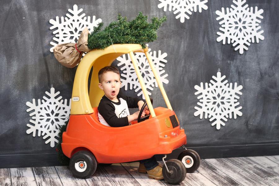 christmascar1 900